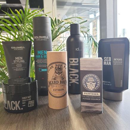 Studio AK Kauppakadulta löydät kattavan valikoiman tuotteita myös miehille.