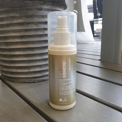Kampaamokaupasta löytyvä Joicon Blonde Life sisältää UV-suojan.