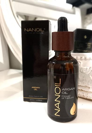 Nanoil-kauneusöljy sopii mm. kynsille ja iholle.