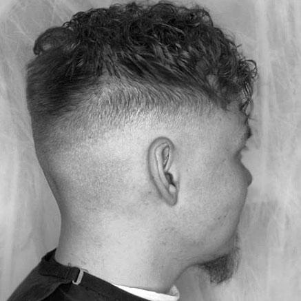 Permanentti yhdistettynä Fade Haircutiin