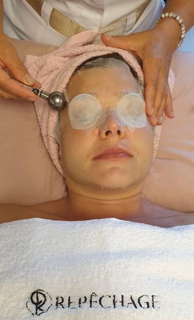 Repêchagen Red-Out -kasvohoito vähentää mm. ihon punoitusta.
