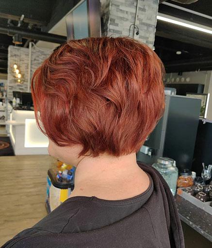 Lyhyet punaisen kuparit hiukset
