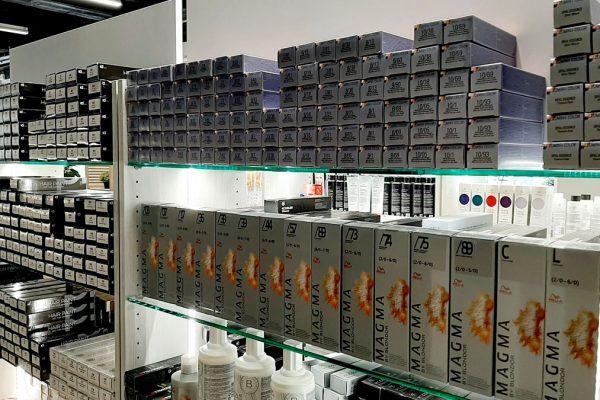 Wellan Illumina-värejä ja Magma-vaalennusvärejä sekä IdHair HairPaint-tuotesarja